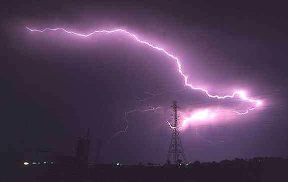 معجزات الله الرعد والبرق ..؟؟ s7.jpg